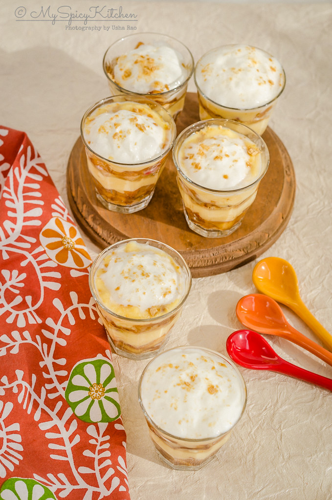 6 mini single serving glasses of no bake apple trifle