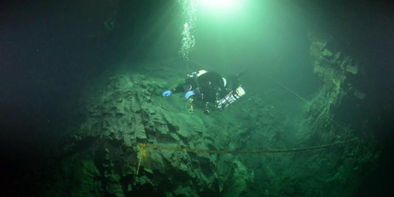 Zimbabwe cave diving