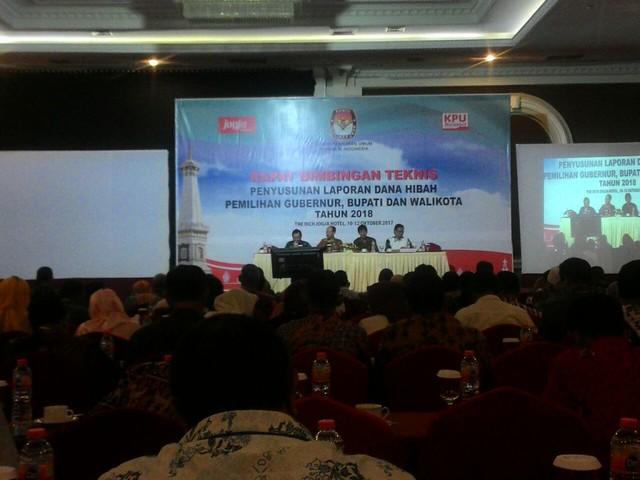 Rapat bimtek penyusunan laporan dana hibah berlangsung selama tiga hari di Rich Hotel Yogyakarta (10/10)