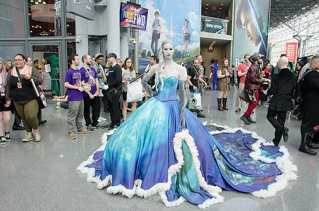Frozen-cosplayer-NYCC-Oct-2017-col-pic#1