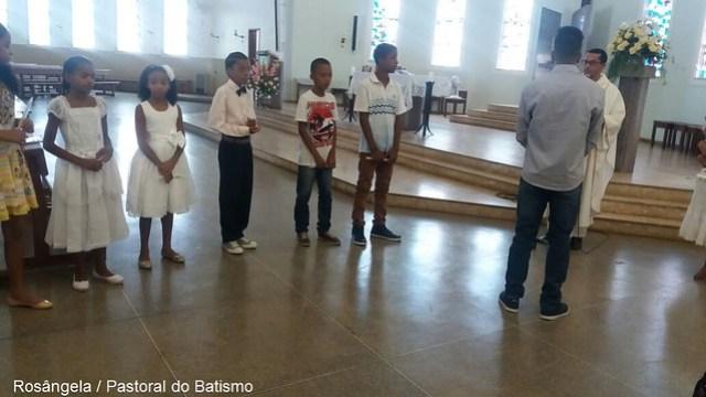 Batizados de crianças e adolescentes