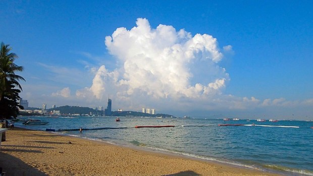 Fascinating clouds Pattaya Beach
