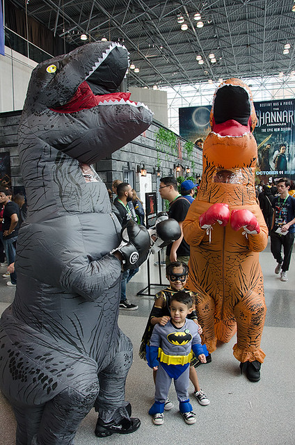 inflatable-dinosaur-cosplayers-NYCC-Oct-2017-col-pic#1