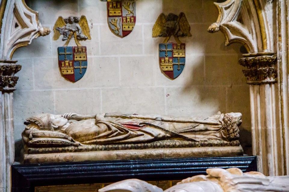 Capilla San Ildefonso Sepulcro Iñigo Lopez Carrilllo virrey de Cerdeña girola Catedral de Toledo 02