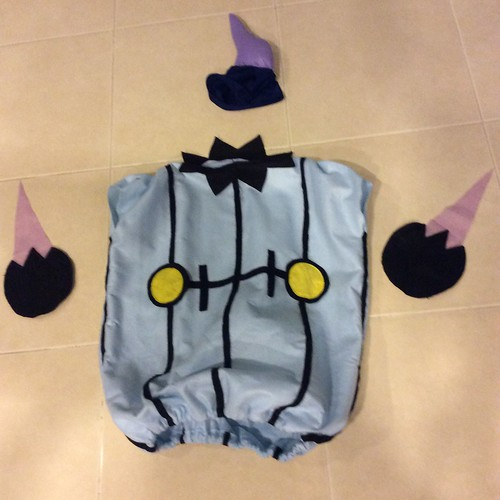 DIY Chandelure costume