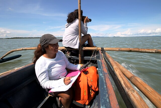Students Monitoring Behavior of Irrawaddy Dolphins
