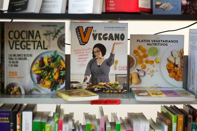 En el centro, mi adorada Isa Chandra Moskowitz, la autora de mis libros de cocina más machacados
