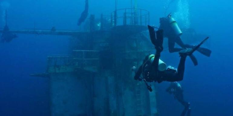 scub diving in Oriskany Wreck, Florida