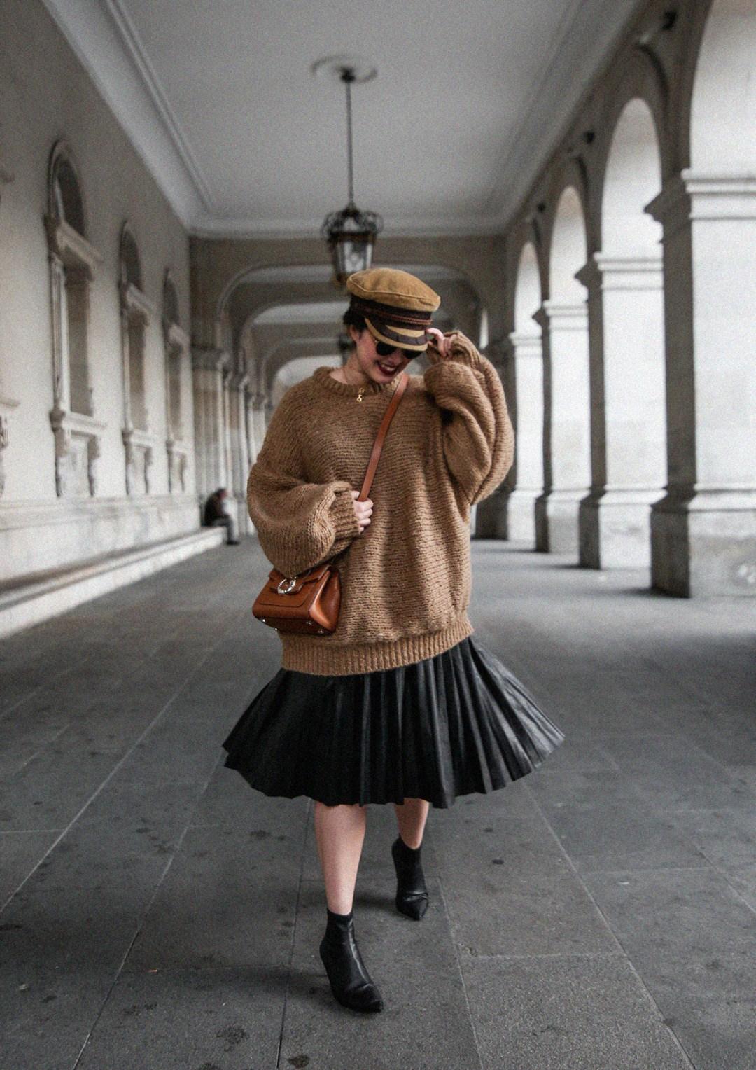 maxi-jersey-mangas-abullonadas-falda-plisada-negra-look-streetstyle-myblueberrynightsblog
