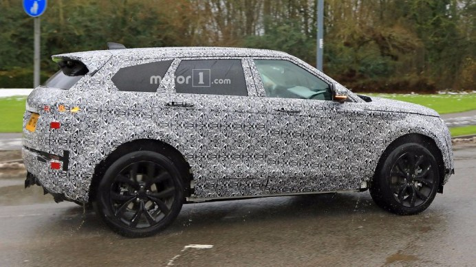 2019-range-rover-evoque-spy-photo (3)