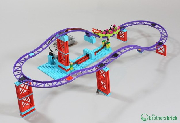 Powering the rollercoaster with LEGO 70922 The Joker Manor [Review ...
