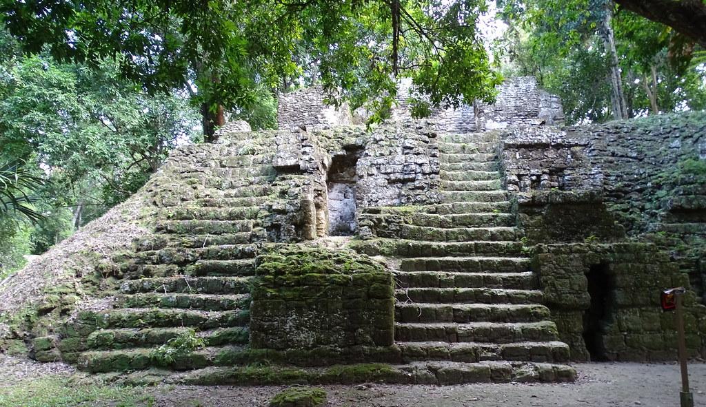 Tikal Observatorios Astronómicos Ciudad Maya Guatemala 06