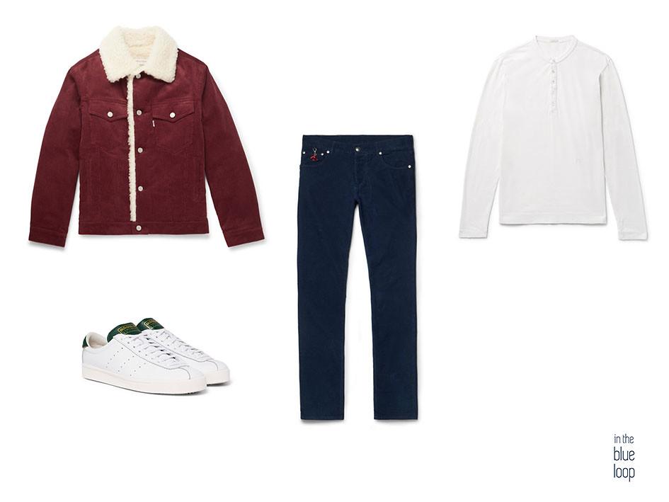 Look casual masculino con vaqueros, cazadora con borrego, camiseta blanca y sneakers blancas de adidas