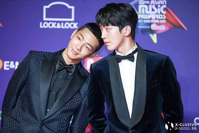 Jisoo and Nam Joohyuk at 2017 MAMA in Hong Kong