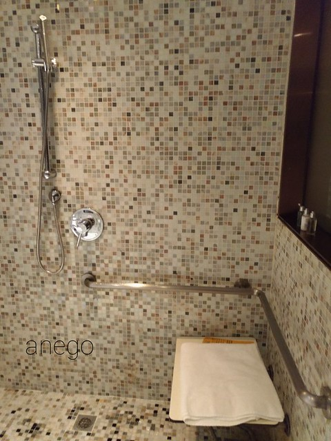 バタフライ ウォーターフロント シャワー