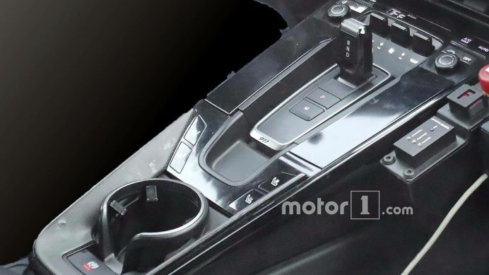 porsche-911-interior-spy-shots3
