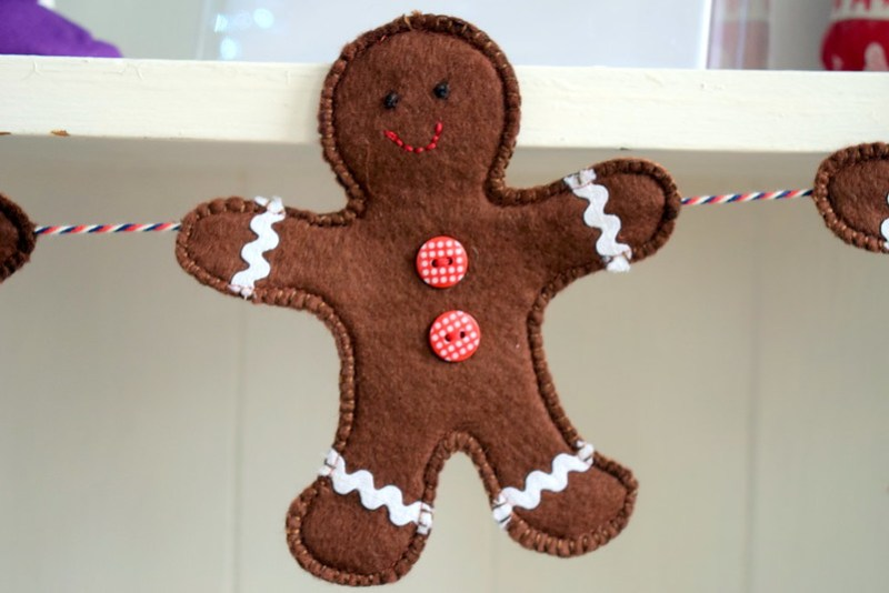 Gingerbread Men Gardland (Popular Patchwork Dec17)