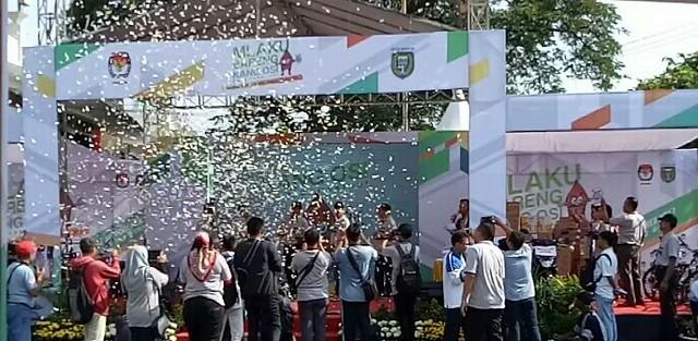 Suasana Acara Launching Pilkada Serentak 2018 KPU Kota Madiun di Stadion Wilis Jalan Mastrip Klegen Kartoharjo Kota Madiun (12/11)