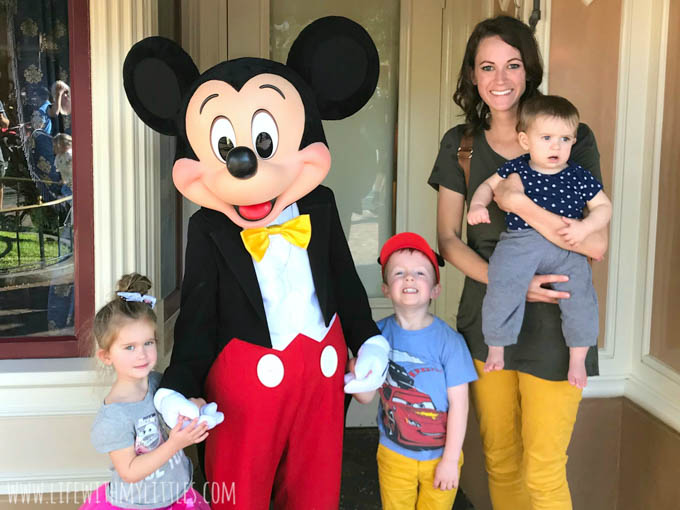 If you're planning a trip to Disneyland with a baby, this post is for you! Amazing, helpful tips for going to Disneyland with a baby. I never would have thought of half of these! These are great ways to have fun with a baby at Disneyland!