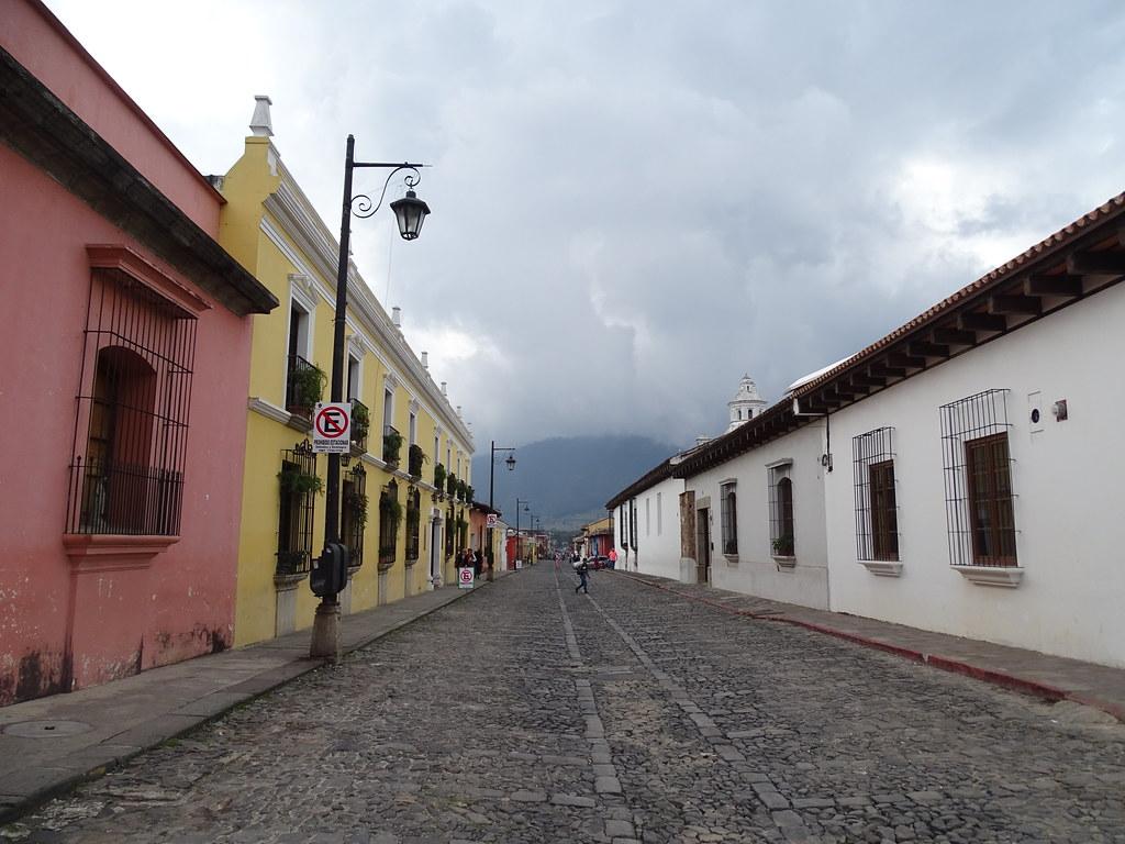 Antigua Calles Guatemala 05