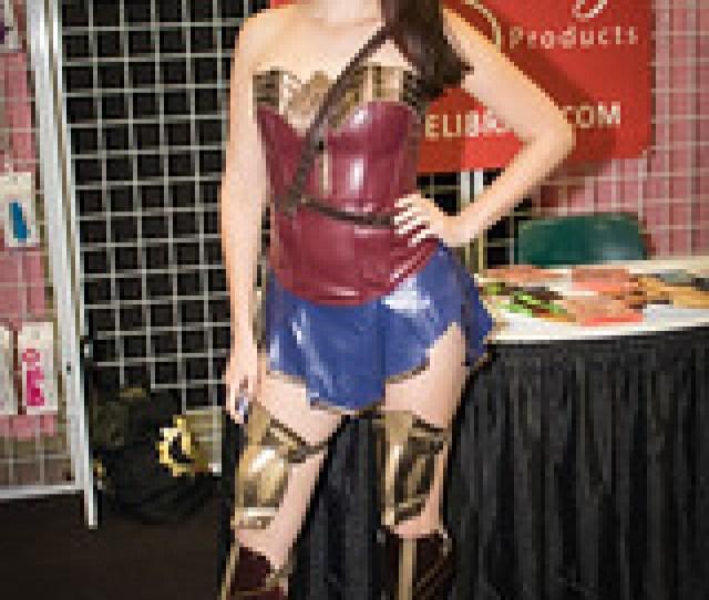 Nickey Huntsman Wonder Woman Cosplay