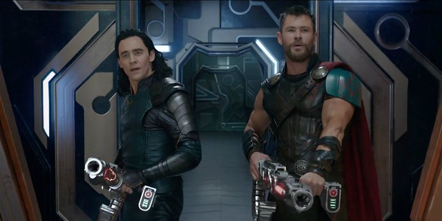 Thor-Ragnarok-Loki-with-guns