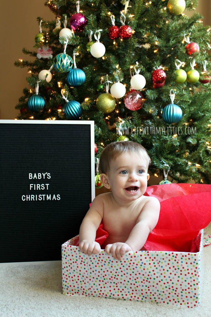 these 19 picture ideas for babys first christmas are so cute if youre