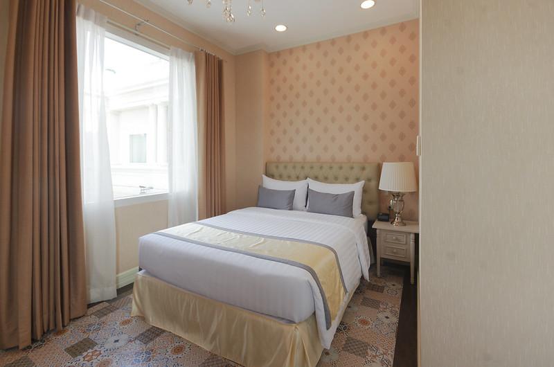 deluxe room at rizal park hotel manila
