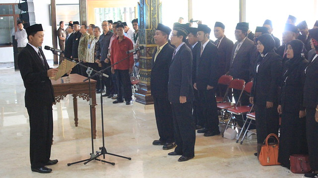 Suasana prosesi pelantikan panwascam se kabupaten tulungagung di Pendopo Kabupaten Tulungagung (08/11)