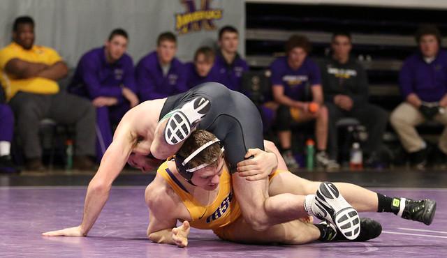 174: #1 Nick Becker (UWP) Dec. over Zach Johnston (MSU) 13-8 | UWP 13 – MSU 12 - 180106amk0118