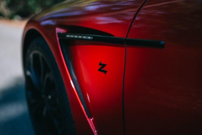 Aston-Martin-V12-Vantage-Zagato-14
