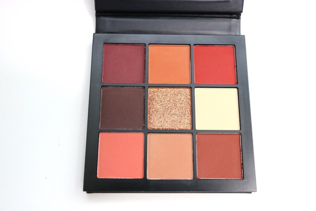 The pans inside the palette