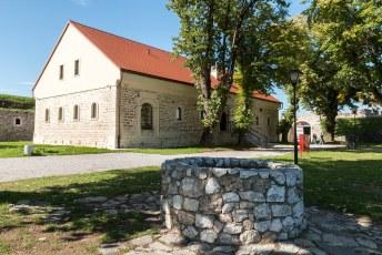 Binnen het fort staat dit met EU geld gerestaureerde museum.
