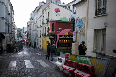 18b12 Moulin Rouge Abbesses Montmartre_0113 variante Uti 485
