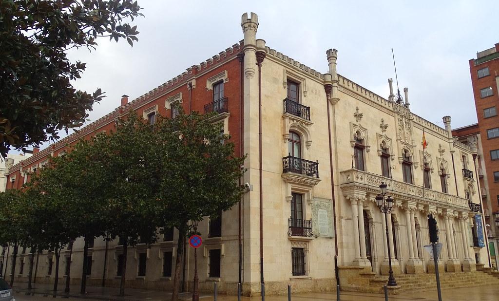 Burgos Palacio de la Capitania 04