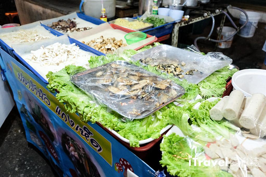 曼谷夜市推荐 查龙四夜市Chok Chai 4 Night Market (24)