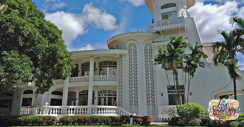 Teacher insights classic wedding venue and more at villa for Villa milagros