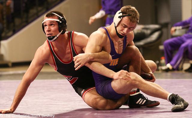 165: #6 Travis Holt (SCS) Dec. over Dylan Herman (MSU) OT 6-4   SCS 9-4 MSU - 180203amk0095