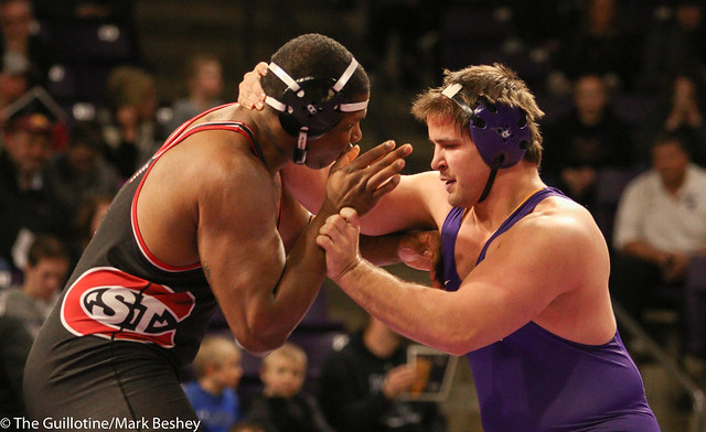 285: #10 Lawrence Phillips (SCS) Dec. over Chris Zimmer (MSU) 8-3 | MSU 13-12 SCS - 180203amk0205