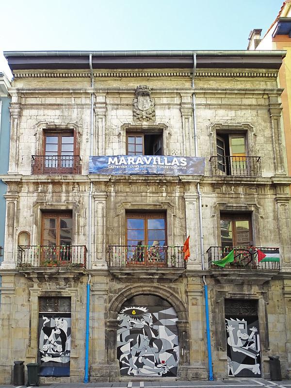 Palacio Marques de Rozalejo antigua casa del mayorazgo de los Guendica Pamplona