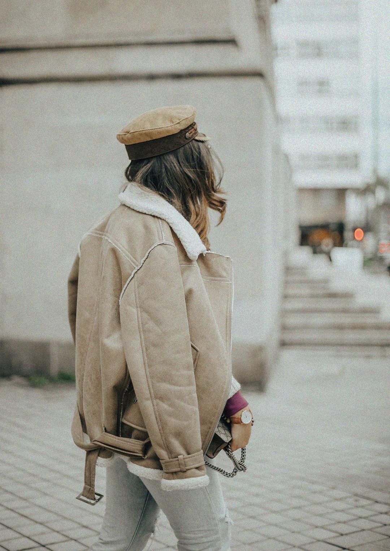 chaqueta-borreguillo-blusa-volantes-pipa-de-la-paz-myblueberrynightsblog12