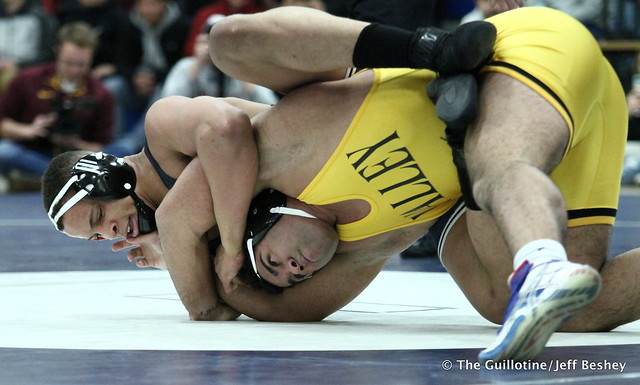 285: Gable Steveson (Apple Valley) over Daniel Kerkvliet (Simley), dec 3-2. 180202AJF0236