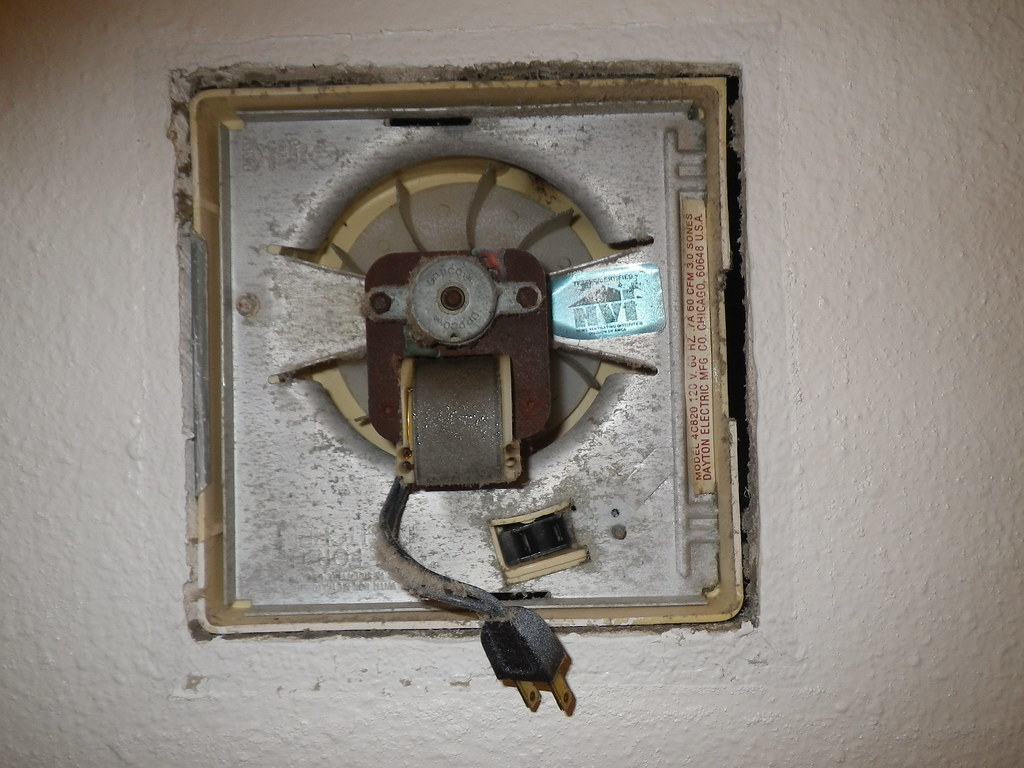 old exhaust fan has plug and outlet in