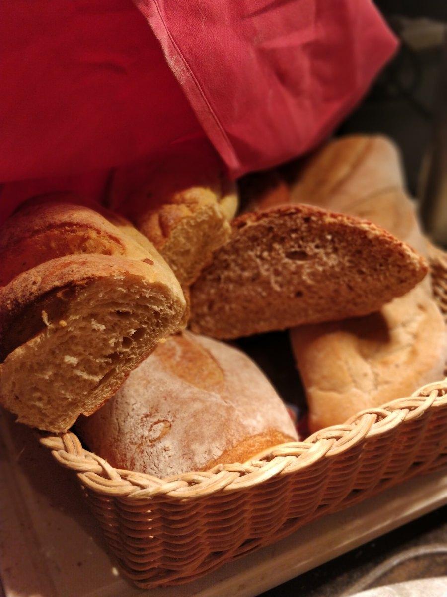 Sarkies Hotel E&O Restaurant George Town Penang Malaysia Breads