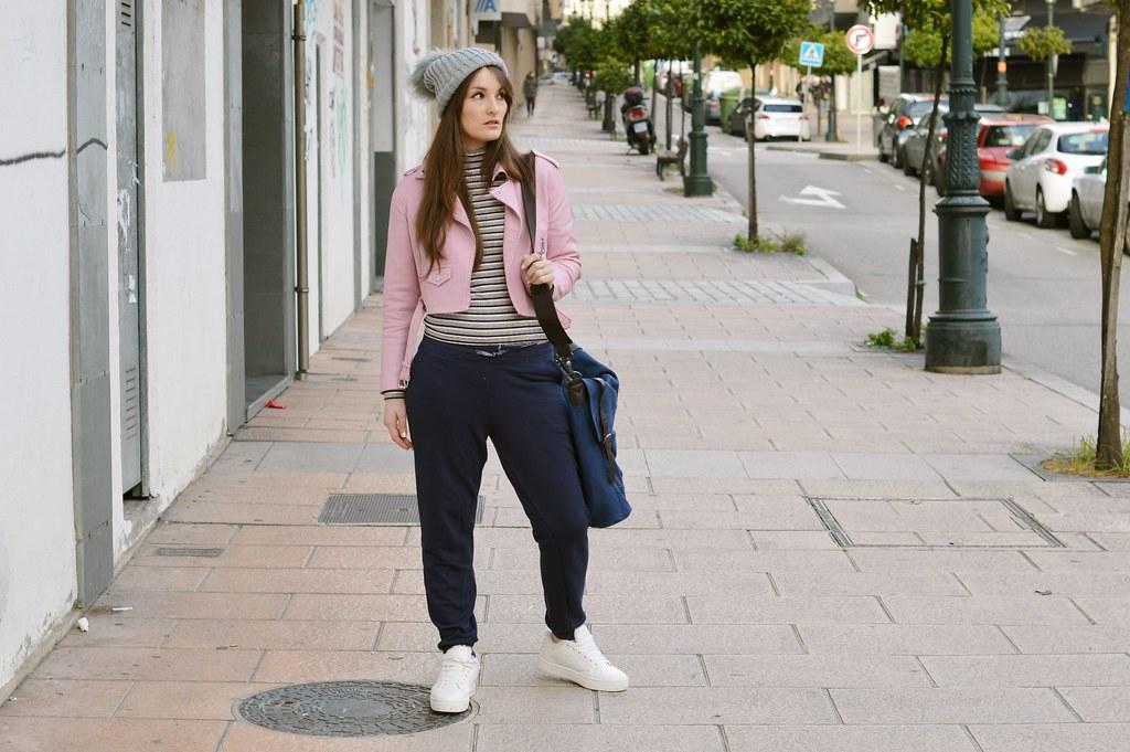 Outfit-blue-joggers-luz-tiene-un-blog (5)
