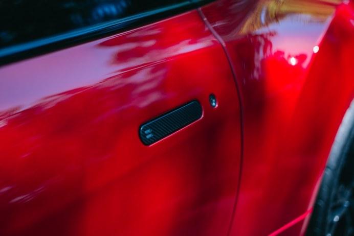 Aston-Martin-V12-Vantage-Zagato-3