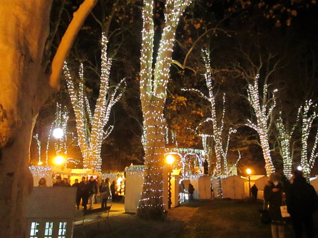 Zrinjevac Park Zagreb, Advent