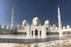 abu dhabi - copyright travelformotion 2