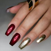 gorgeous maroon color nails