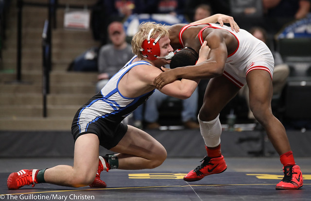 1st Place Match - Isaiah Thompson (Detroit Lakes) 45-6 won by decision over Justin Henry (Foley) 40-14 (Dec 7-5). 180303CMC7149
